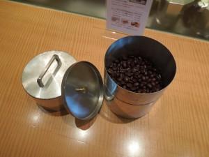 コーヒー缶1